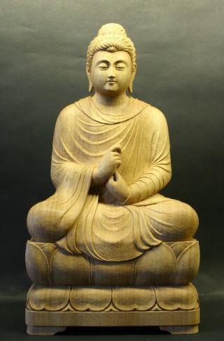 転法輪印仏坐像